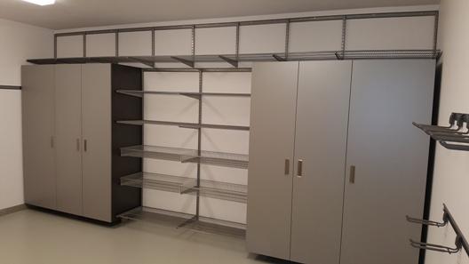 Sklad + dílenský kout – organizace systémem Elfa® a Garage Pro