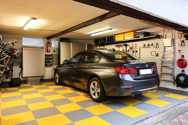 Garáž – řešení systémem Gladiator® a Garage Pro + podlaha Fortelock
